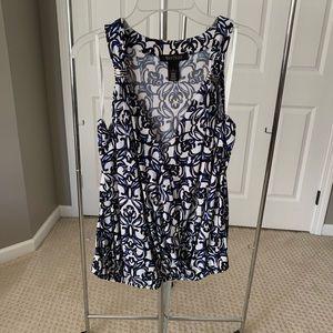 WHBM sleeveless blouse in blue/white print - L